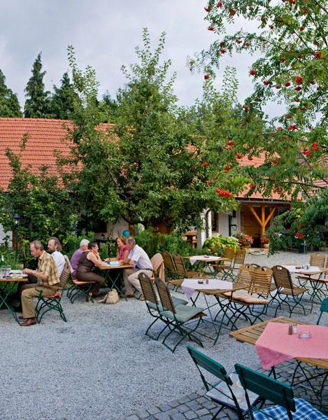 Weinabo-Abothek-Wein-Kistl-April-2020-Wetterkreuzberg-Bio-Weingut-Weinschwaermer-David-Harm-Gruener-Veltliner-Kremser-Kogl-2018-Kremstal-DAC-Bild-Panorama-469x600-shop_web