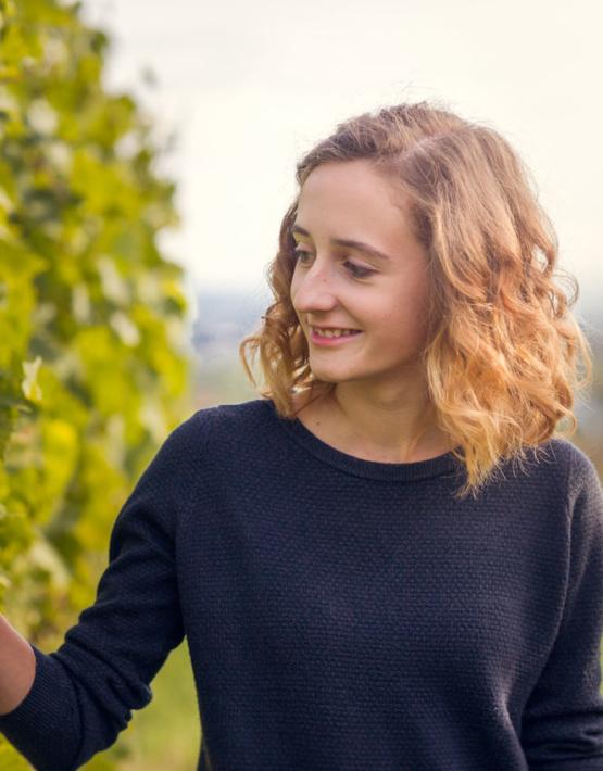 Weinabo-Abothek-Wein-Kistl-April-2020-Wetterkreuzberg-Weingut-Kathrin-Brachmann-Gruener-Veltliner-Alte-Reben-2018-Bild-Kathrin-Brachmann-664x850-shop_web