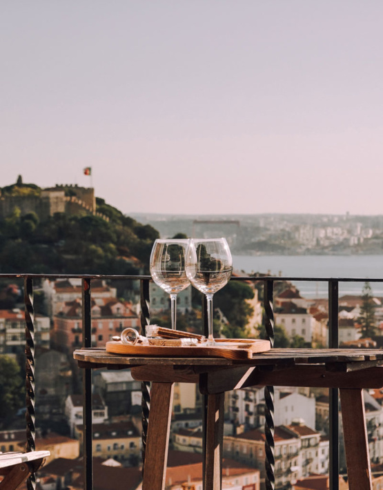 Weinabo-Abothek-Wein-Kistl-September-2020-der-Blick-zurueck-ins-Sommerglueck-Alentejo-Portugal-HMR-Pousio-Selection-Rose-2019-Bild-Ausblick-shop_web